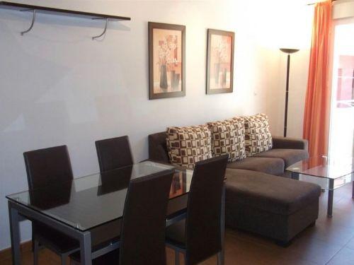 Bonito y funcional piso en Armilla