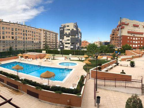 Fabuloso piso sin mobiliario en Granada