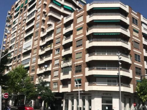 Piso de 3 habitaciones en Plaza de Toros