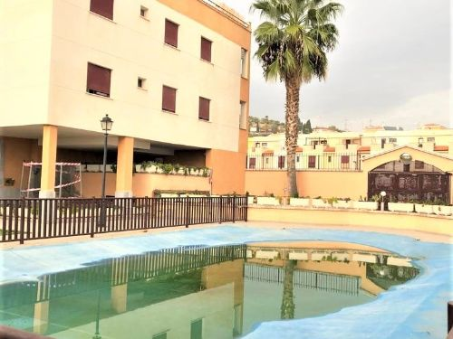 Bonito dúplex con piscina en Atarfe