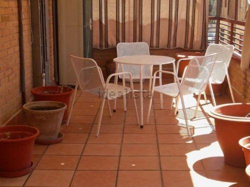 Piso con terraza junto Plaza de Toros